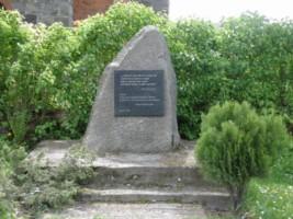 Obelisk w hołdzie ofiarom pracy niewolniczej w Kurowie